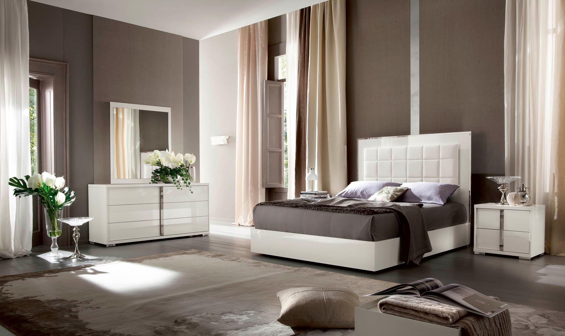 Image of: Modern Bedroom Furniture Set