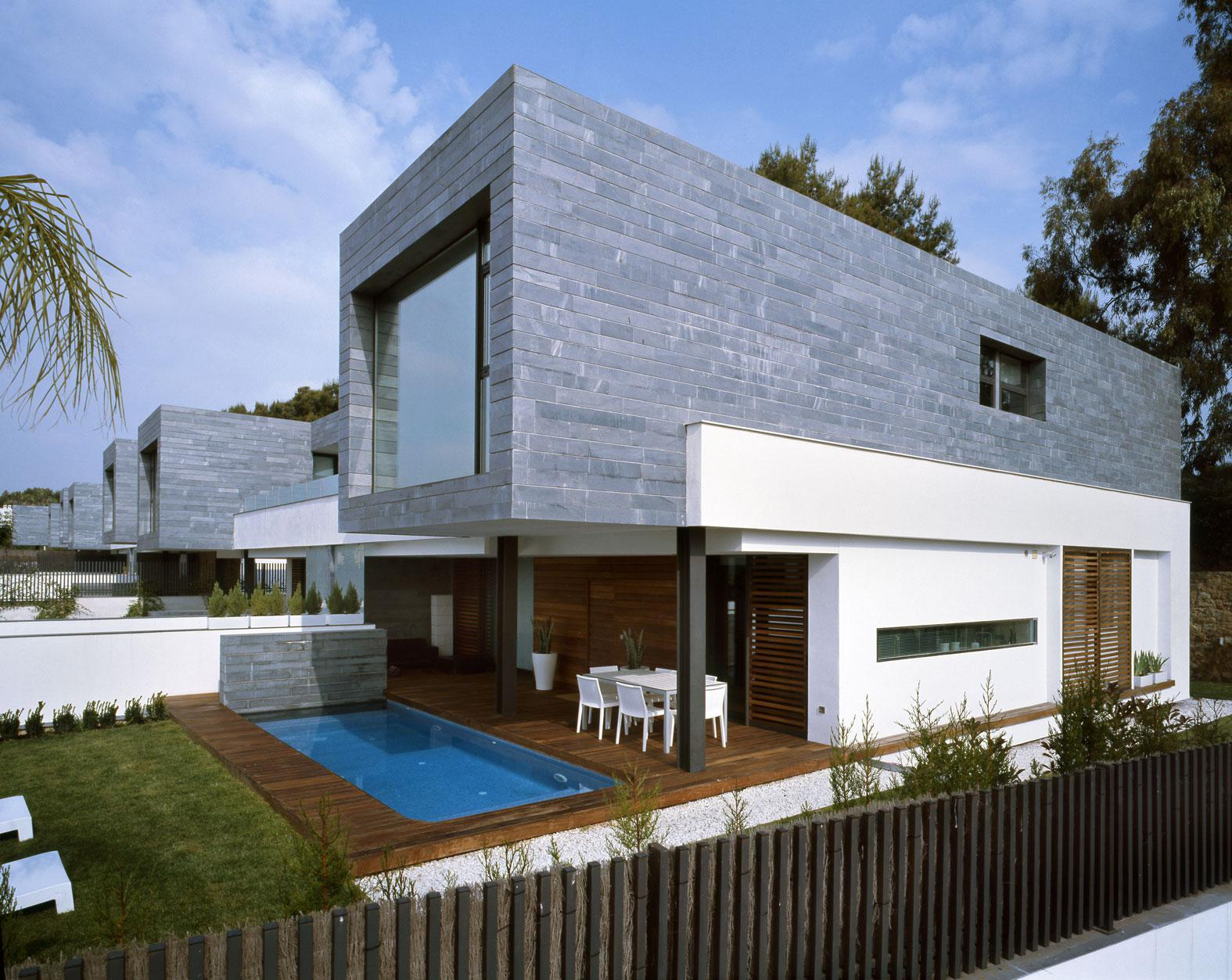 Image of: Modern Style Houses Pictures