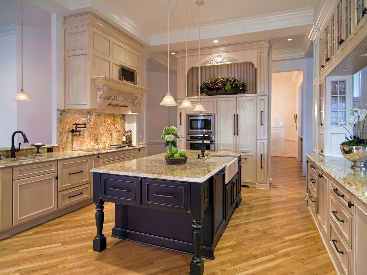 Image of: Old World Charm Kitchens