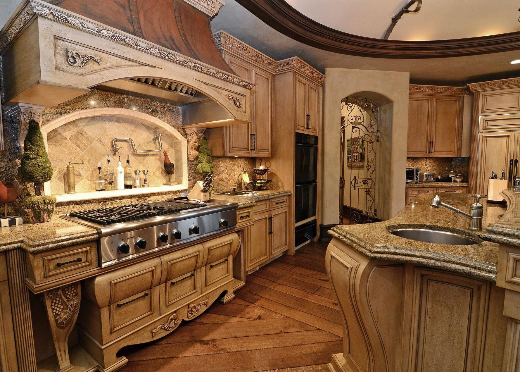 Image of: Old World Kitchens