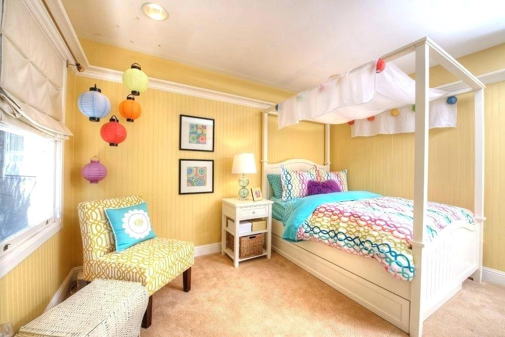 Image of: Paper Lantern String Lights In Bedroom