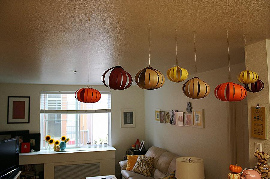Image of: Paper Lanterns In Bedroom Ideas
