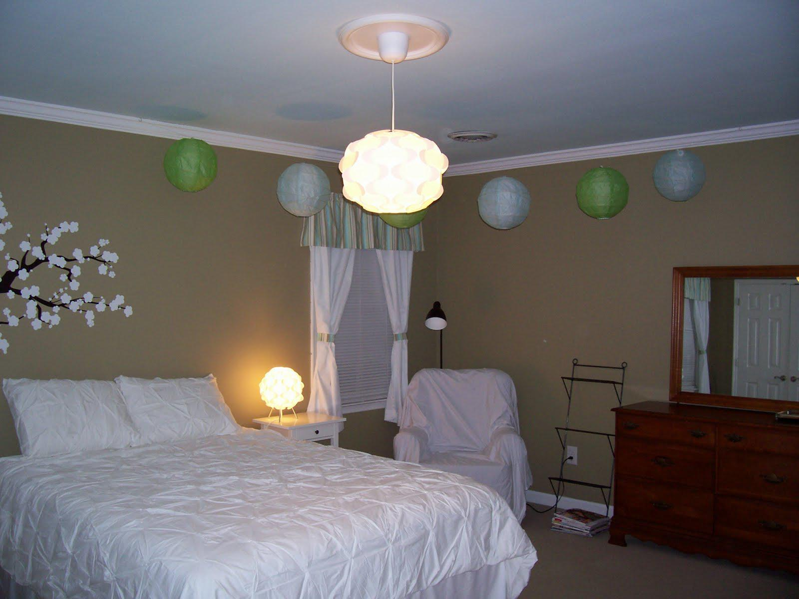 Image of: Paper Lanterns In The Bedroom