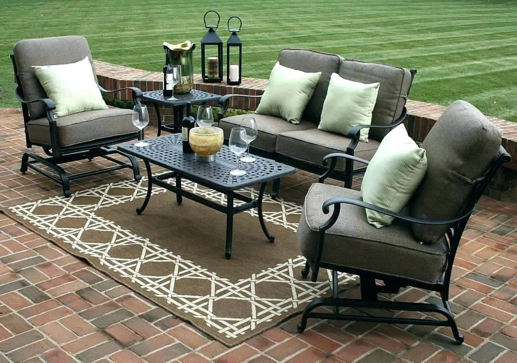Image of: Patio Furniture Sets Clearance