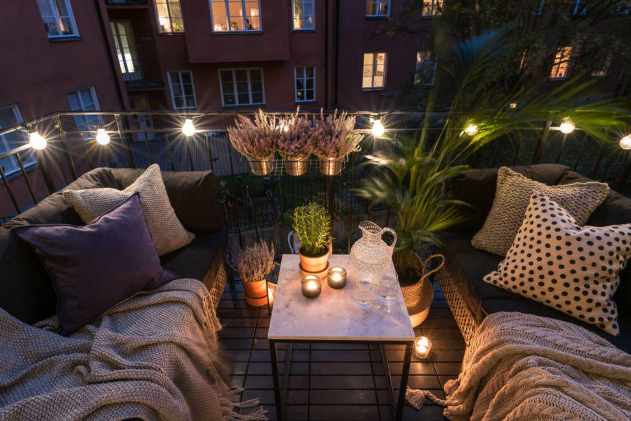 Image of: Small Balcony Decorating Ideas