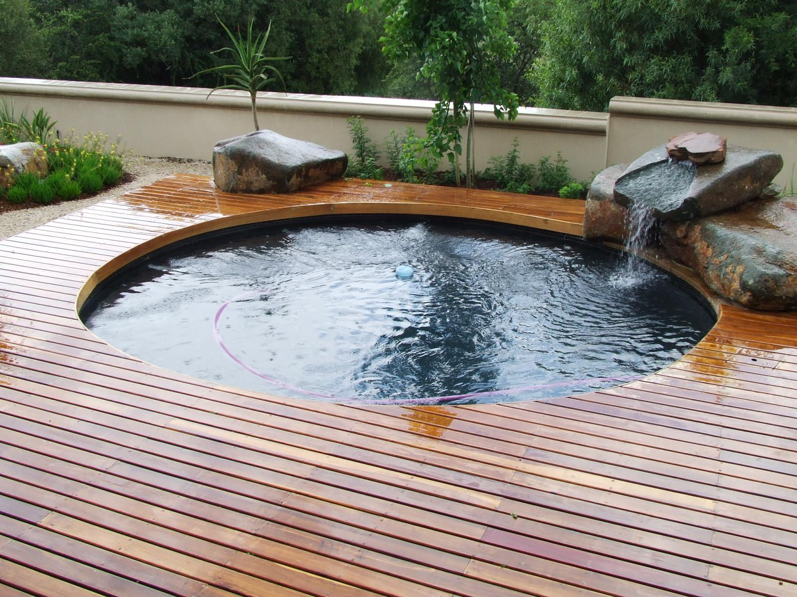 Image of: Small Swimming Pool Design Ideas