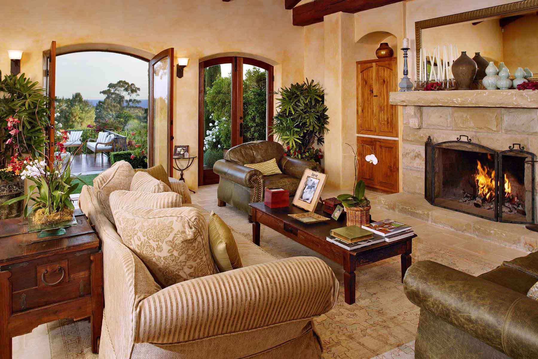 Image of: Tuscan Living Room