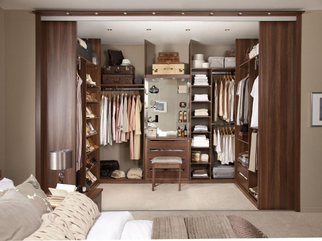 Image of: Walk In Wardrobe Ideas For Small Spaces